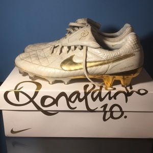 Nike tiempo ronaldinho touch of gold cleats boots